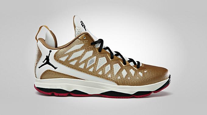 Jordan CP3.VI Metallic Gold Black Slate Sport Fuschia