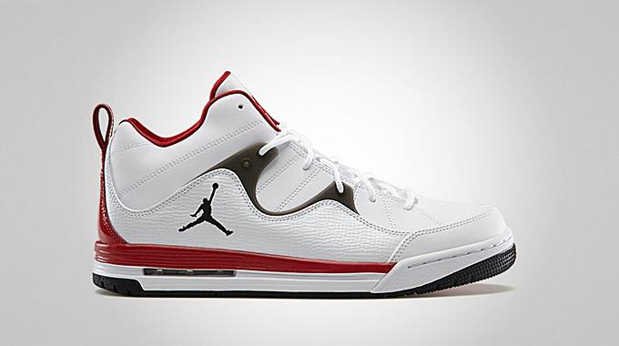 Jordan Flight TR 97 Mid White Black Gym Red