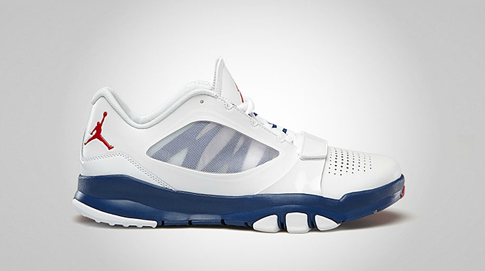 Jordan Trunner Dominate Flex White Fire Red True Blue