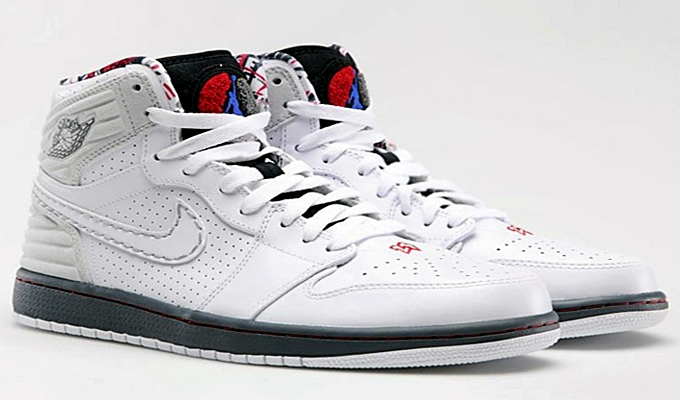 "Air Jordan 1 Retro '93 ""Bugs"" Released"