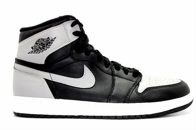 Air Jordan 1 Retro High OG black grey